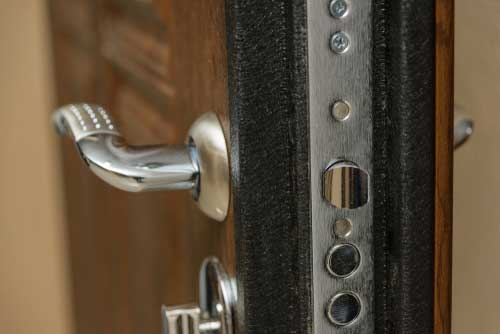 Residential Door with Deadbolt Lock - Harry's Locksmith